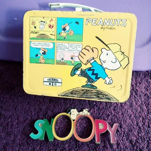 Peanuts vintage lunchbox & Snoopy plaque bundle.